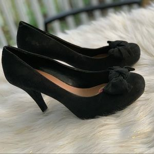 G by Guess black leather leather heels size 8.5
